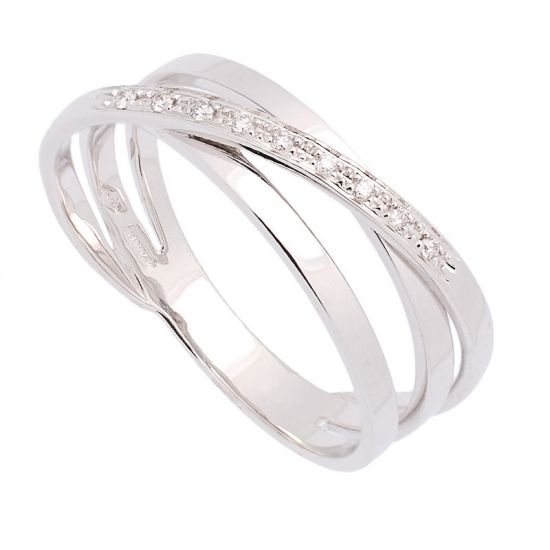 Sortija de oro blanco y diamantes.