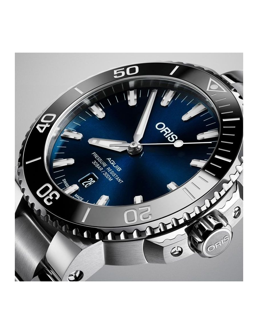 Reloj Oris Aquis Date 733 7730 4135