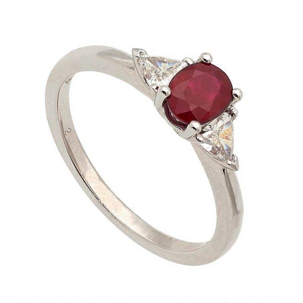 Sortija de oro blanco, rubí y diamantes